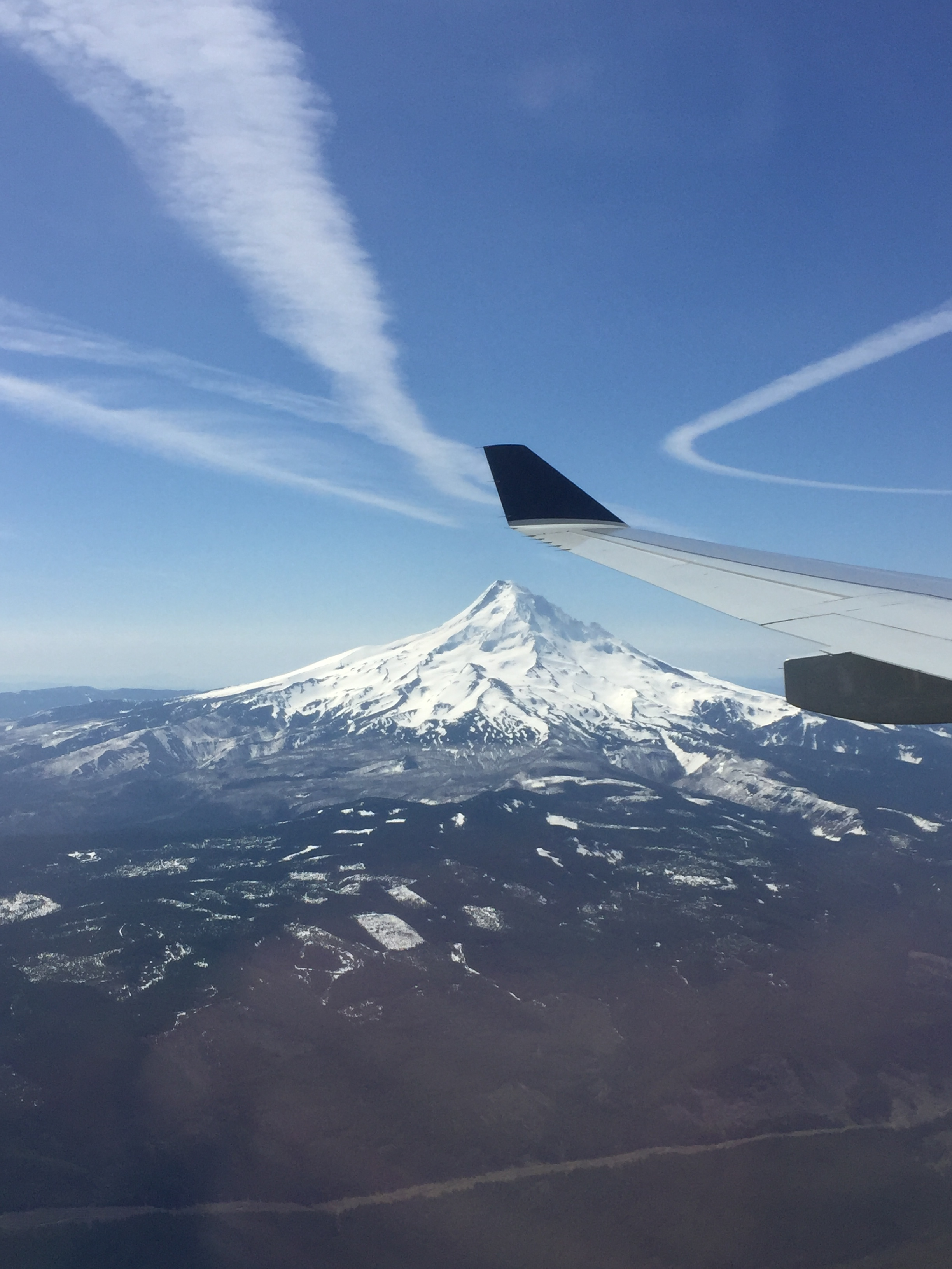 Arrival at Portland airport PDX, view at Mt Hood volcano